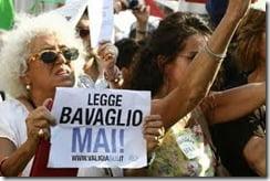 L'Italia affonda e il governo pensa al bavaglio