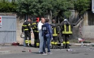 bomba fatta esplodere davanti alla scuola di Brindisi