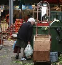 anziani, fame, povertà, caritas, immigrazione, solidarietà