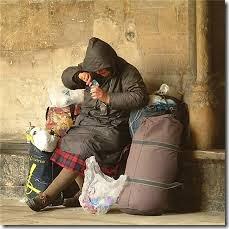 povertà, immigrazione, 13 milioni di italiani senza cure mediche