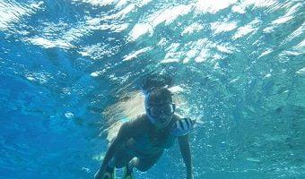 Un tuffo al mare con i gialli di Saru